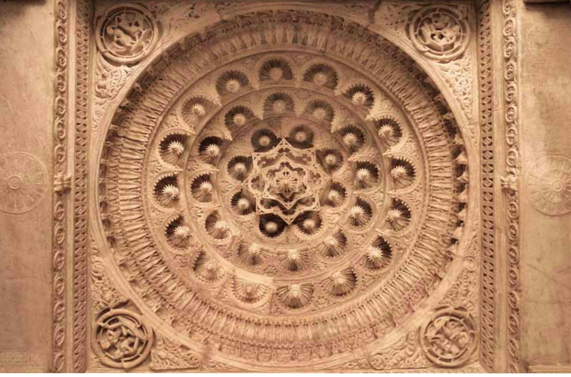 http://de.herenow4u.net/fileadmin/cms/Buecher/Jainismus-Tempel_von_Mount_Abu_und_Ranakpur/Exquisitely_elaborated_ceiling_in_Vimala_Vasahi_Temple__Mount_Abu.jpg